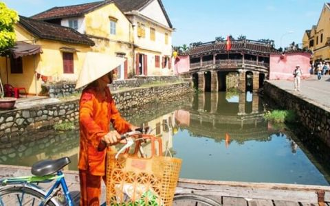 Touring Vietnam from South to North over 11 days