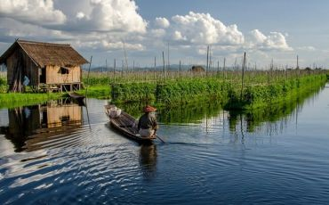 Inle Lake - The Floating Life Scenes in Myanmar