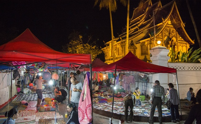 best places for shopping in luang prabang 4