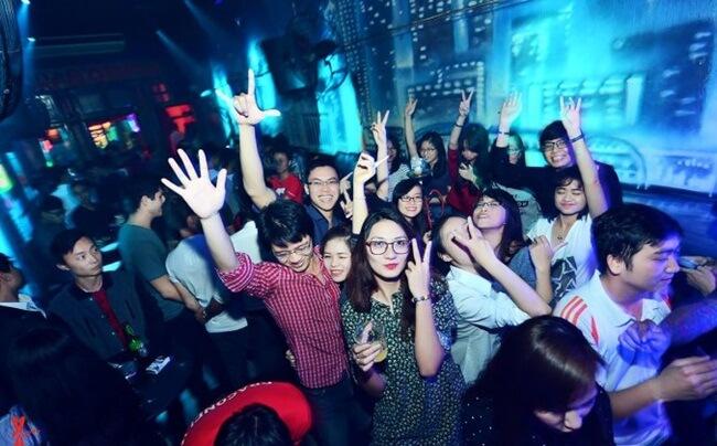Hanoi nightlife 4