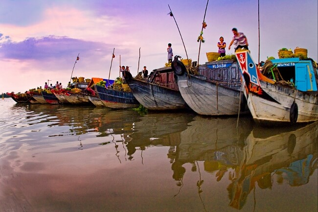 floating markets in mekong delta 5