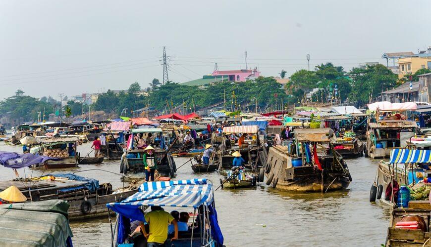 floating markets in mekong delta
