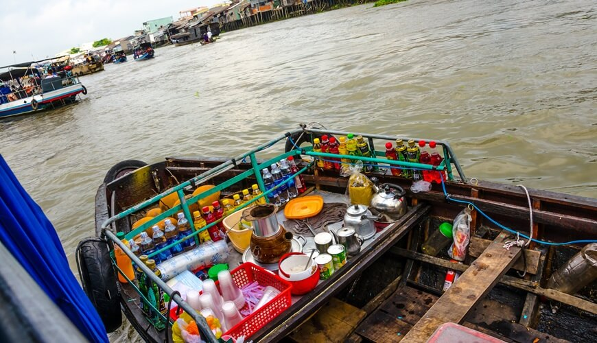 floating markets in mekong delta 3