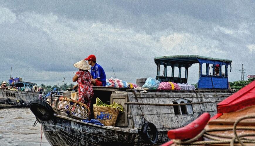 floating markets in mekong delta 2