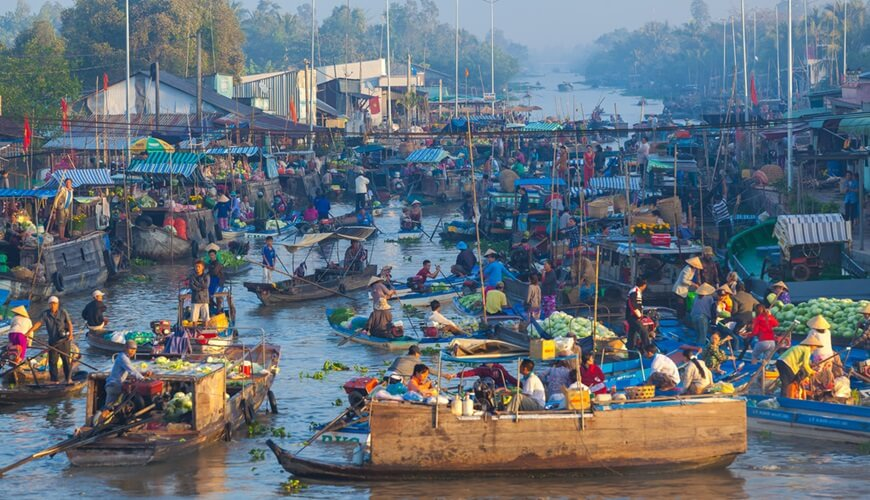 floating markets in mekong delta 7