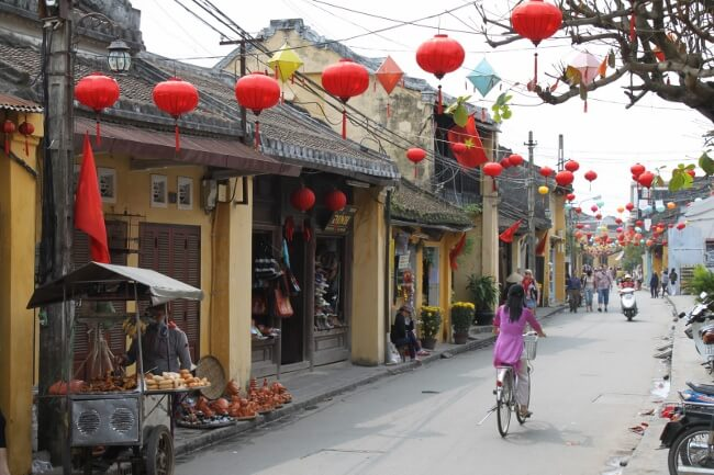 solo travel in vietnam 7