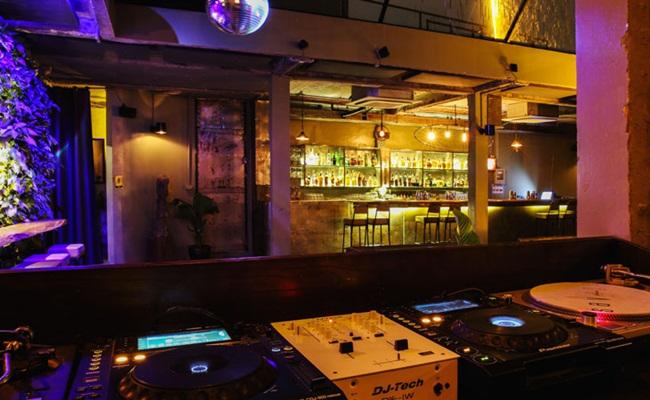 hanoi nightlife 9