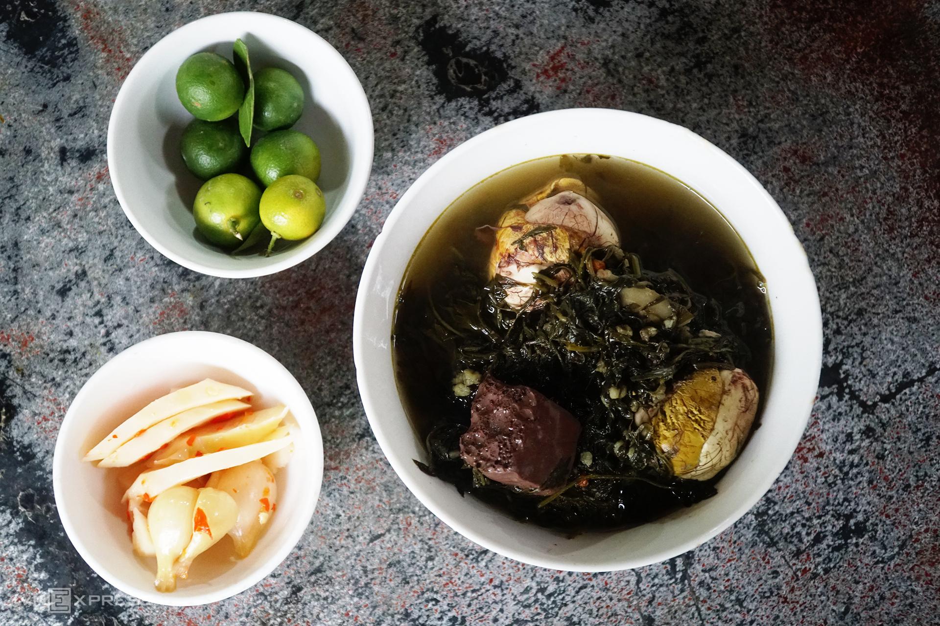 Food Scene in Halong 4