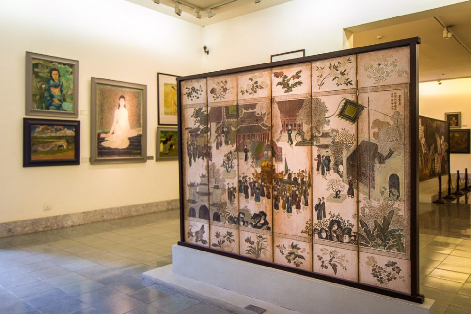 art galleries in hanoi 12