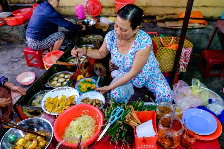 street food in vietnam 2