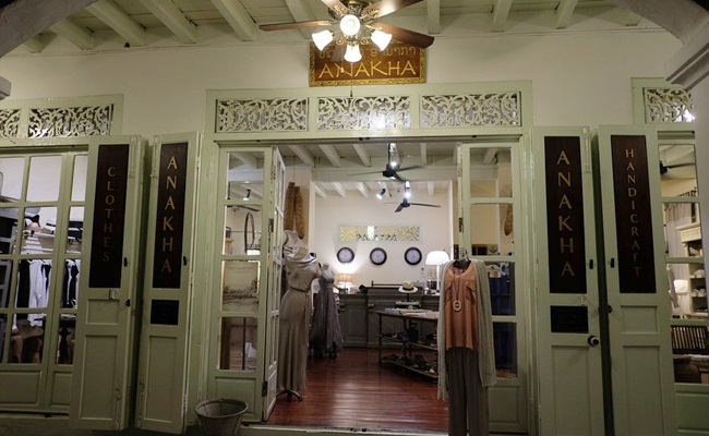 best places for shopping in luang prabang 13