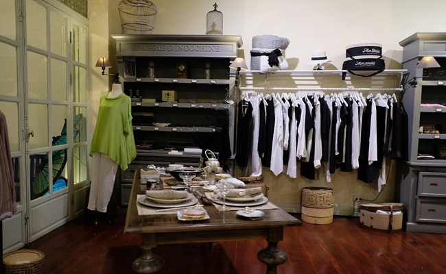 best places for shopping in luang prabang 14