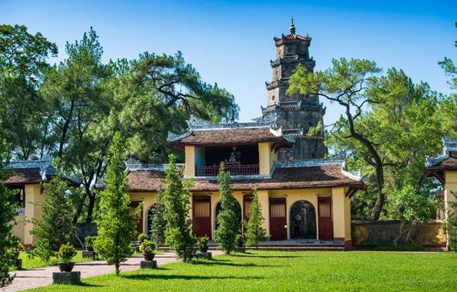 temples in vietnam 23