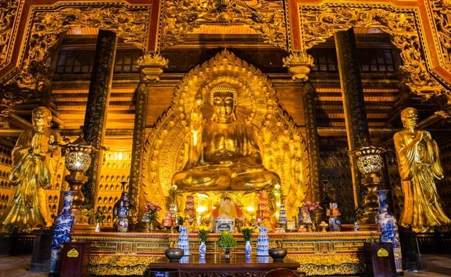 temples in vietnam 24