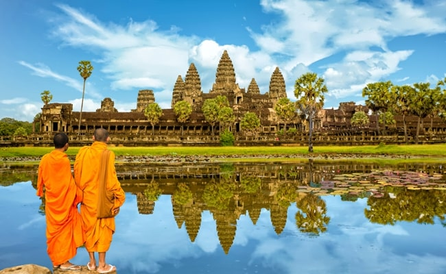 explore the best of vietnam and cambodia 15