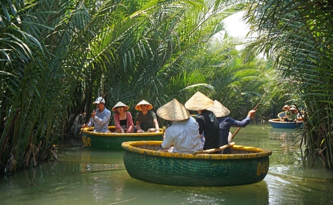 explore the best of vietnam and cambodia 9